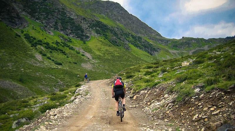 Best Mountain Bikes Under $1000 – $1500 (2017 – 2018)